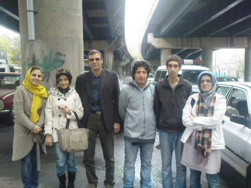 Freigelassener Amin Niaifar (2.v.re.)