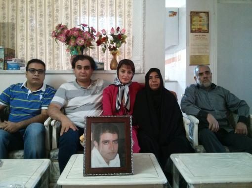 Peyman Aref besucht Eltern von Majid Tavakkoli