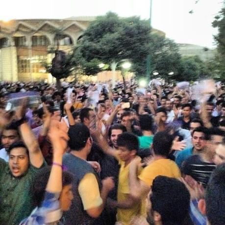 Vali Asr Rouhani-Anhänger