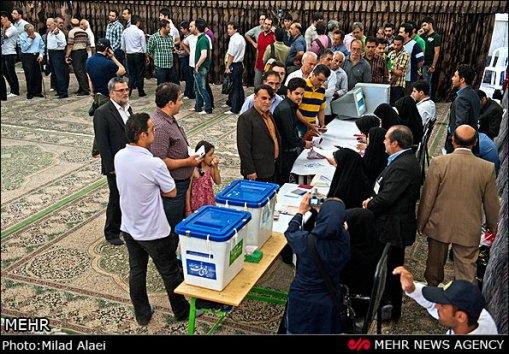 Wahllokal in Karadj